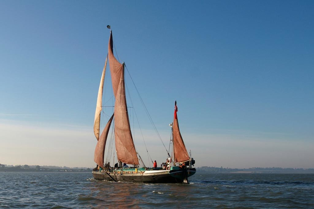 Sailing barge Victor, Orwell River